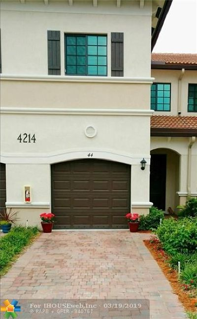 Oakland Park Condo/Townhouse For Sale: 4214 N Dixie Hwy #44