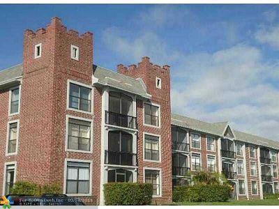 Lauderhill Condo/Townhouse For Sale: 3760 Inverrary Dr #1w