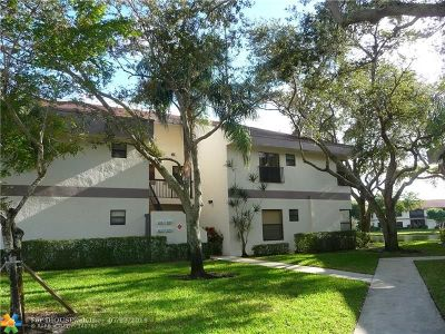 Coconut Creek Condo/Townhouse For Sale: 4720 N Carambola Cir #27101