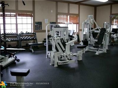 Lauderhill Condo/Townhouse For Sale: 3760 Inverrary Dr #3q