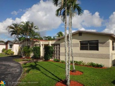 Miramar Single Family Home For Sale: 3505 Acapulco Dr