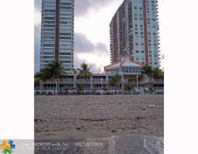 Pompano Beach Condo/Townhouse For Sale: 111 Briny Ave #20-07