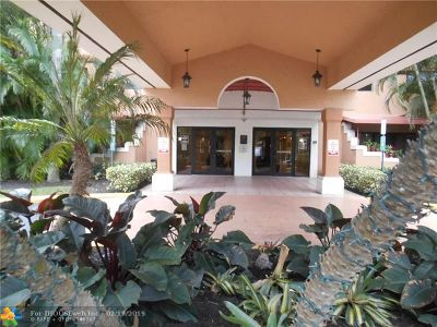 Fort Lauderdale Condo/Townhouse For Sale: 701 NW 19th St #212