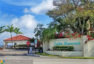 Oakland Park Condo/Townhouse For Sale: 116 Lake Emerald Dr #405