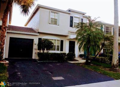Tamarac FL Condo/Townhouse For Sale: $265,000