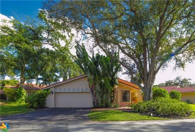 Deerfield Beach Single Family Home For Sale: 604 Hollows Circle