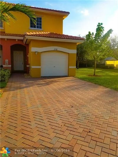 Lauderdale Lakes Single Family Home For Sale: 3558 NW 29th Ct