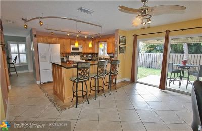 Davie Single Family Home For Sale: 4313 SW 84th Ter