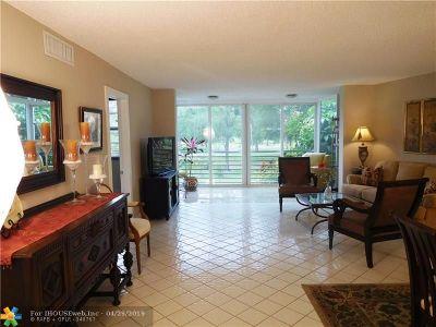 Pompano Beach FL Condo/Townhouse For Sale: $219,000