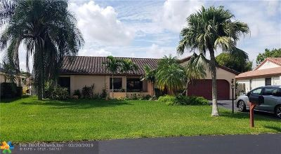 Davie Single Family Home For Sale: 15110 Meadhaven St