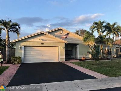 Cooper City Single Family Home For Sale: 11561 SW 51st Ct