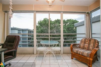 Lauderdale Lakes Condo/Townhouse For Sale: 4850 NW 29th Ct #421