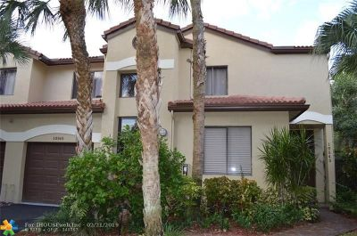 Plantation Condo/Townhouse For Sale: 10545 NW 10th St #D-128