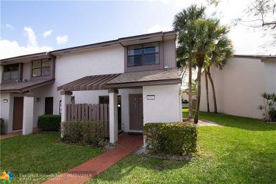 Lauderhill Condo/Townhouse For Sale: 4901 NW 82nd Ave #905