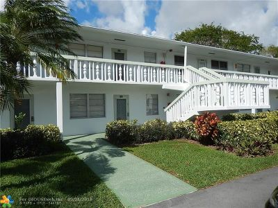 Deerfield Beach Condo/Townhouse For Sale: 167 Ventnor K #167