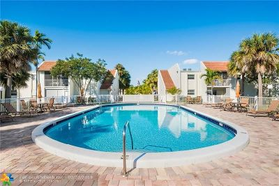 Deerfield Beach Condo/Townhouse For Sale: 1428 SE 4th Ave #151
