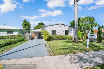 Hallandale Single Family Home For Sale: 901 NE 4th Street
