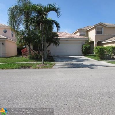 Miramar Single Family Home For Sale: 17484 SW 22nd St