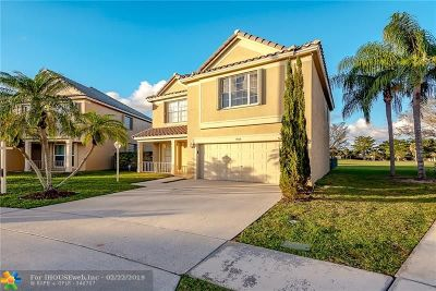 Tamarac Single Family Home For Sale: 9731 N Grand Duke Cir