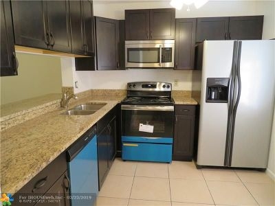 Coral Springs FL Condo/Townhouse For Sale: $134,995