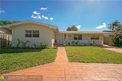 Pembroke Pines Single Family Home For Sale: 8100 NW 15th St