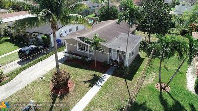 Hollywood Single Family Home For Sale: 5522 Plunkett St