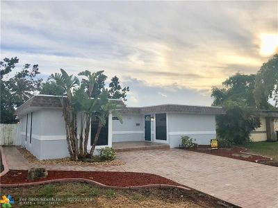 Tamarac Single Family Home For Sale: 7200 NW 63rd St
