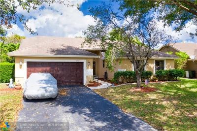 Coconut Creek Single Family Home For Sale: 4373 NW 51st Court