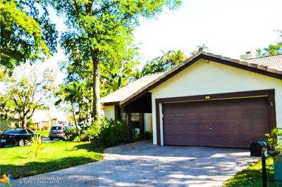 Coral Springs Single Family Home For Sale: 1521 Riverwood Ln