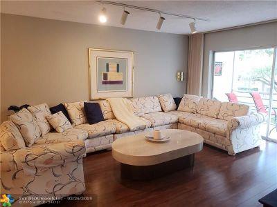 Lauderhill Condo/Townhouse For Sale: 3774 Inverrary Blvd #210P