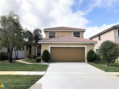 Pembroke Pines Single Family Home For Sale: 1322 SW 178th Way