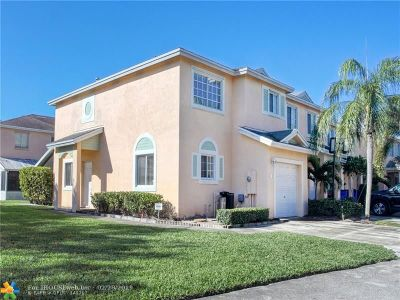 Deerfield Beach Condo/Townhouse For Sale: 4722 SW 13th Pl #4722