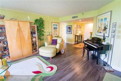 Boca Raton Condo/Townhouse For Sale: 6463 La Costa Dr #304