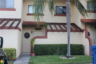 Sunrise Condo/Townhouse For Sale: 4701 N Pine Island Rd