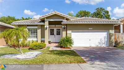 Cooper City Single Family Home For Sale: 12199 Natalies Cove Rd