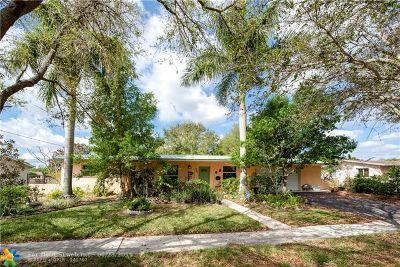 Plantation Single Family Home For Sale: 521 Beachwood Ln