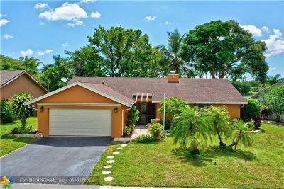 Boca Raton Single Family Home For Sale: 9750 Richmond Cir