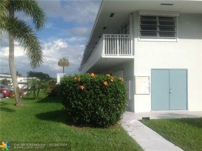 Boynton Beach Condo/Townhouse For Sale: 2450 S Federal Hwy #10