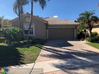 Boynton Beach Single Family Home For Sale: 7482 Granville Ave