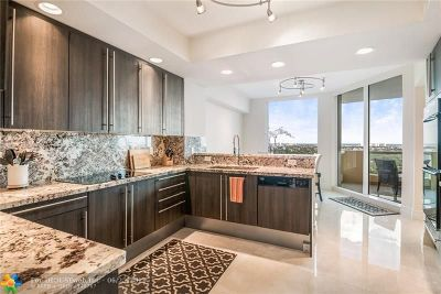 Fort Lauderdale Condo/Townhouse For Sale: 411 N New River Dr #2104