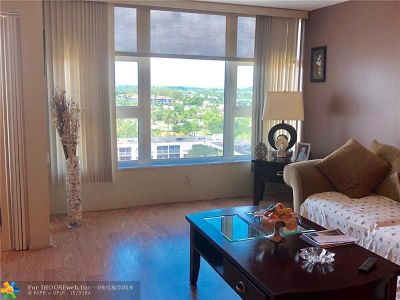 Lauderdale By The Sea Condo/Townhouse For Sale: 1620 S Ocean Bl #11L