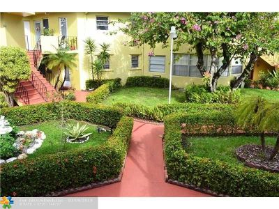 North Miami Beach Condo/Townhouse For Sale: 18642 NE 18th Ave #223