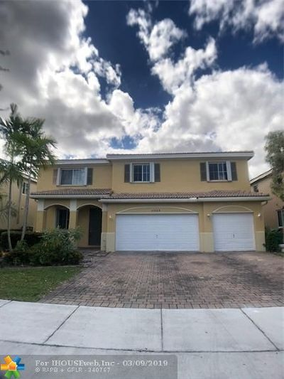 Miami Single Family Home For Sale: 20424 NW 8th Ave