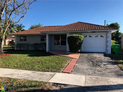 Sunrise Single Family Home For Sale: 5820 NW 18th Ct