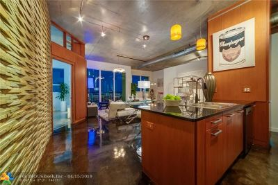 Fort Lauderdale Condo/Townhouse For Sale: 313 NE 2nd St #805
