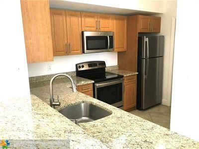 Miramar Condo/Townhouse For Sale: 2586 Centergate Dr #106