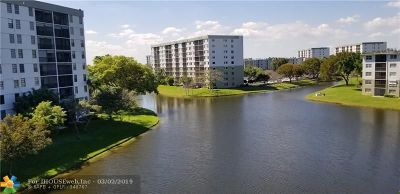Condo/Townhouse For Sale: 2226 N Cypress Bend Dr #501