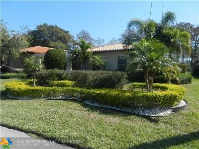 Tamarac Single Family Home For Sale: 4600 King Palm Dr