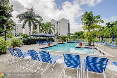 Boca Raton Condo/Townhouse For Sale: 7568 Regency Lake Dr #601