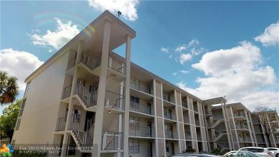 Lauderdale Lakes Condo/Townhouse For Sale: 2999 NW 48th Ave #440